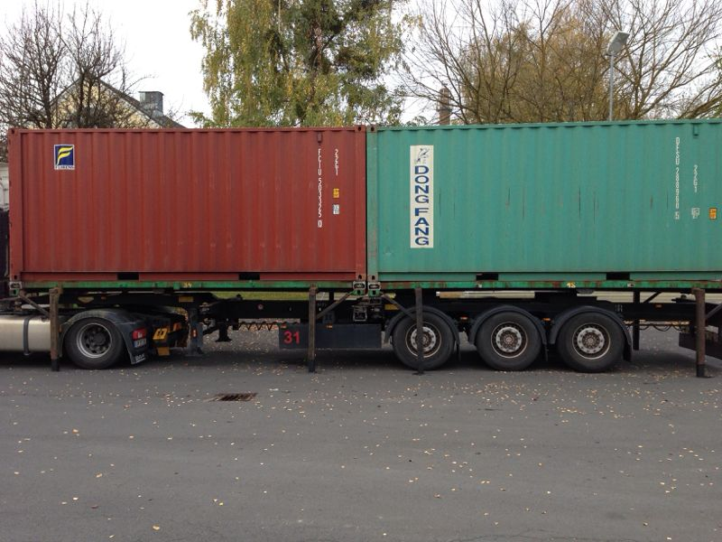 Container ohne Chassis abstellen
